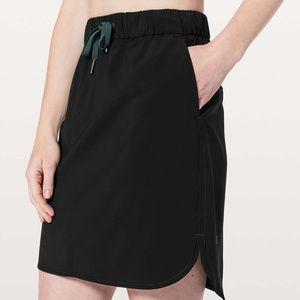 Lululemon On the Fly Black High Low Skirt